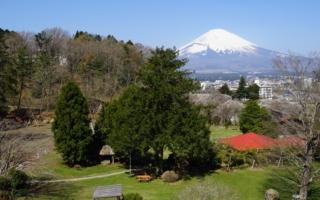 YMCA東山荘6号館から望む富士