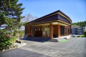 東山荘本館
