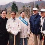富士山植樹の様子
